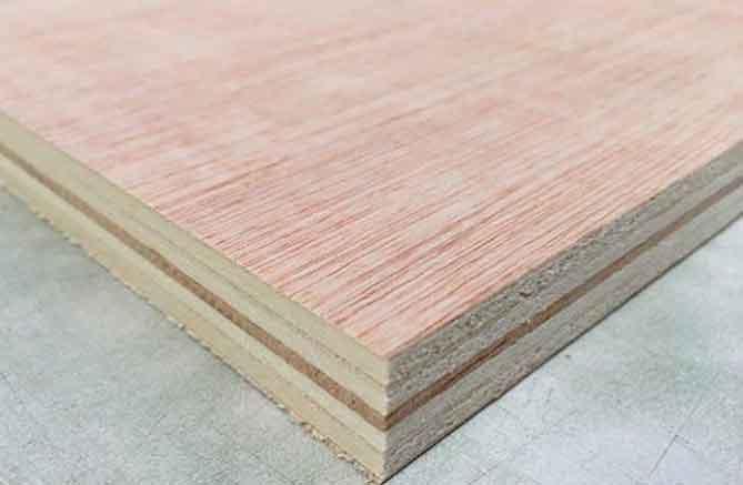 tablero-de-madera-contrachapado-de-calabo